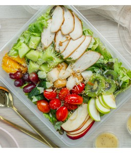 GRILLED CHICKEN BREAST AND FRUIT SALAD WITH HONEY-MAYONNAISE DRESSING
